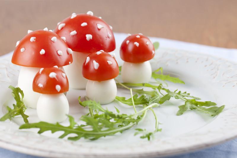 Schöne Deko: Pilze aus Eiern © Can Stock Photo / ingridhs